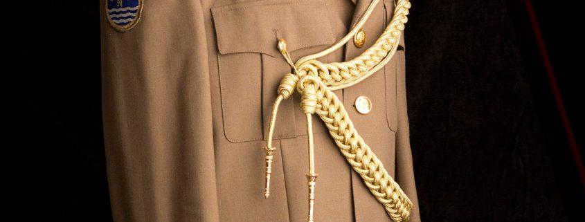complementos uniformes, hombreras, complementos para uniformes